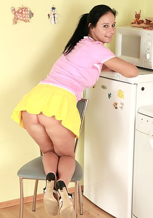 Free Kitchen Porn Pictures